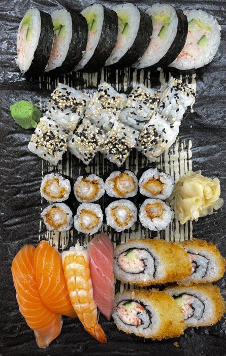 Sushi Månedens Tilbud (30 stk)